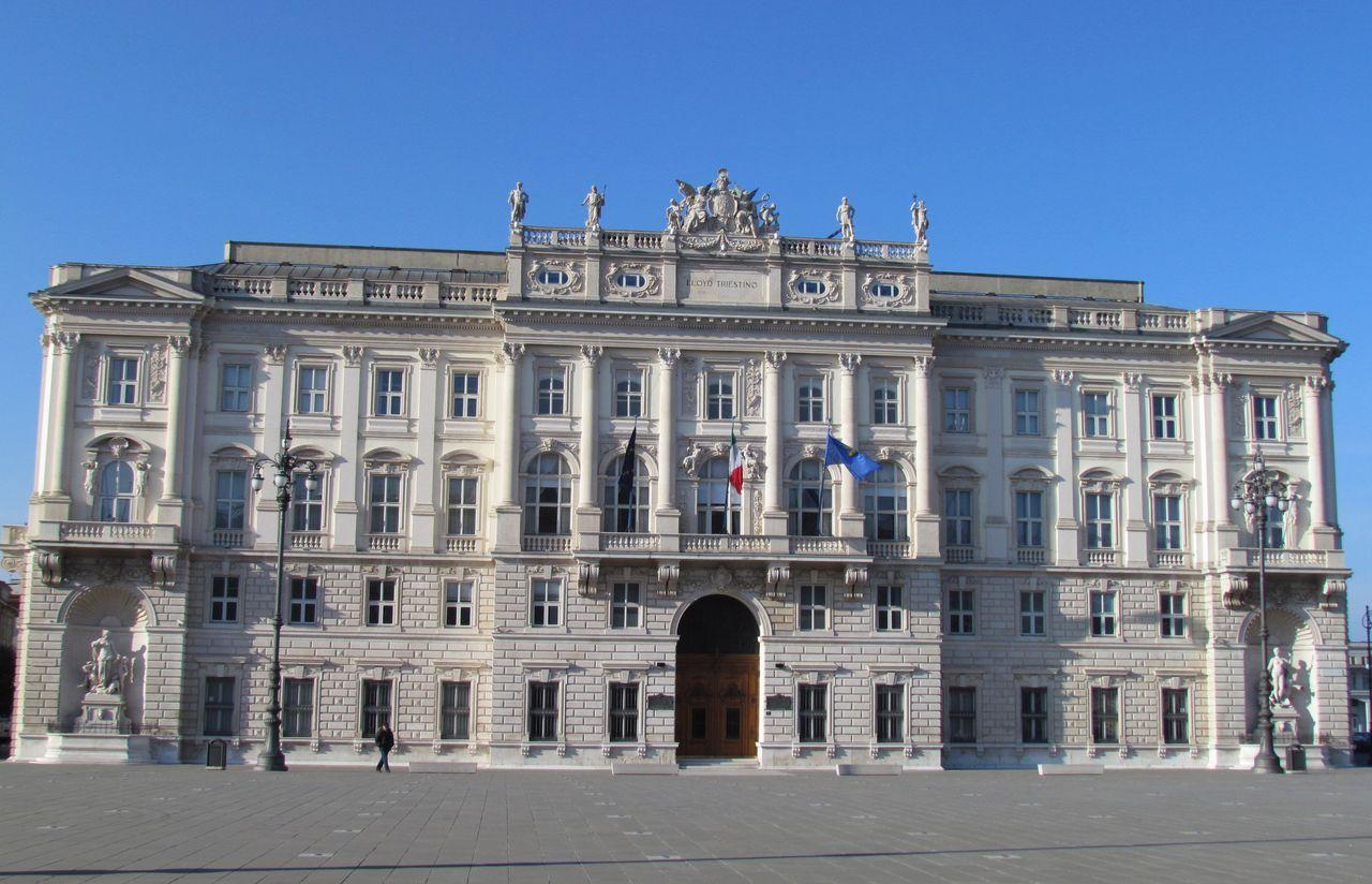LLOYD-Triestino---palazzo-Regione-Trieste